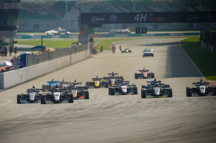 Asian F3 Winter Series Round 9 Start